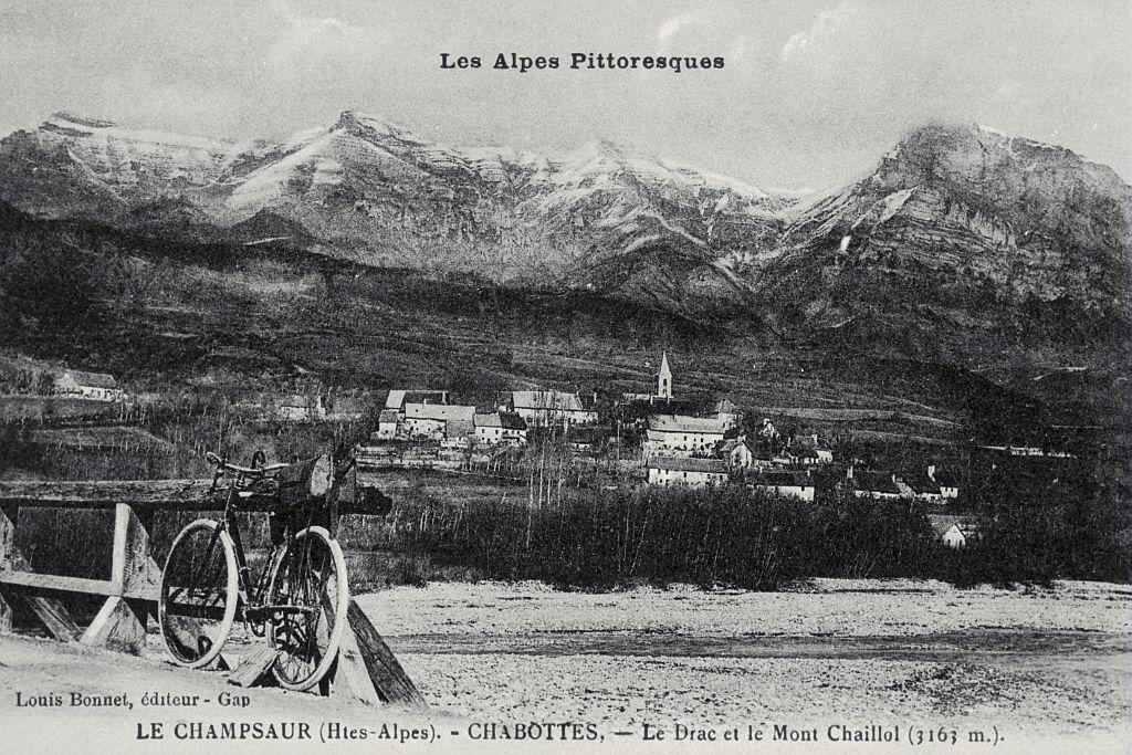 Le Champsaur (Htes-Alpes) - CHABOTTES - Le Drac et le Mont Chaillol (3163m) - collection Parc national des Ecrins