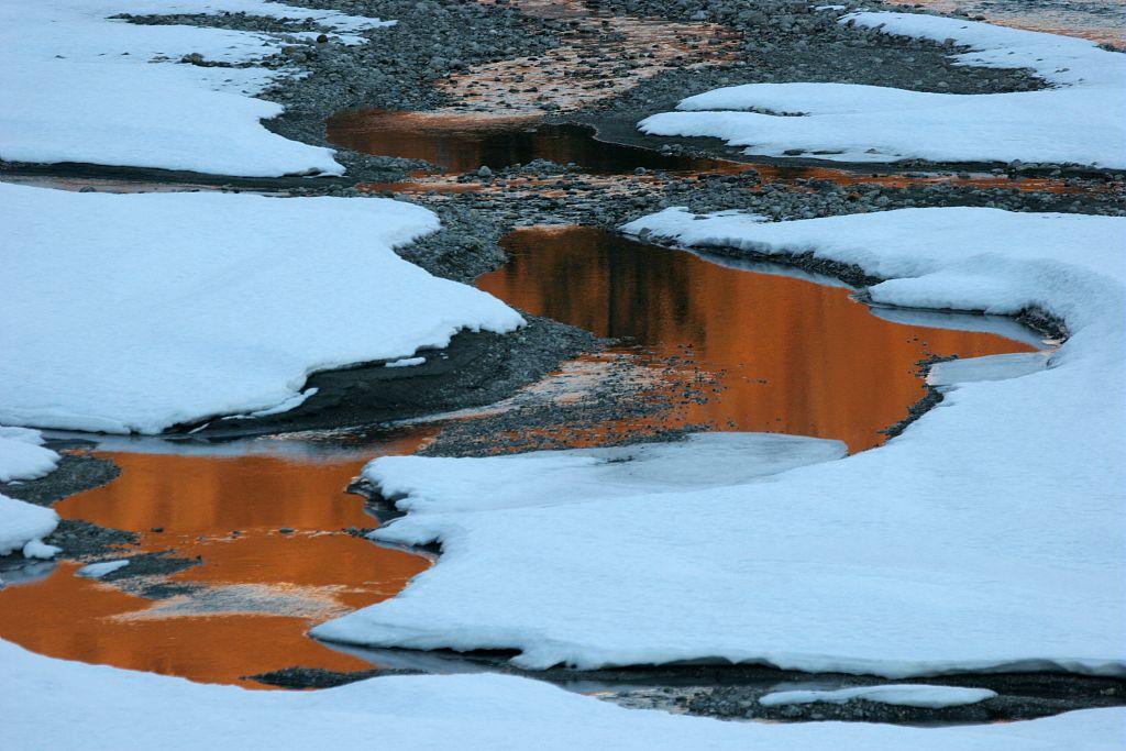 Reflets sur le Drac, gravière de Corbière © Marc Corail - Parc national des Ecrins