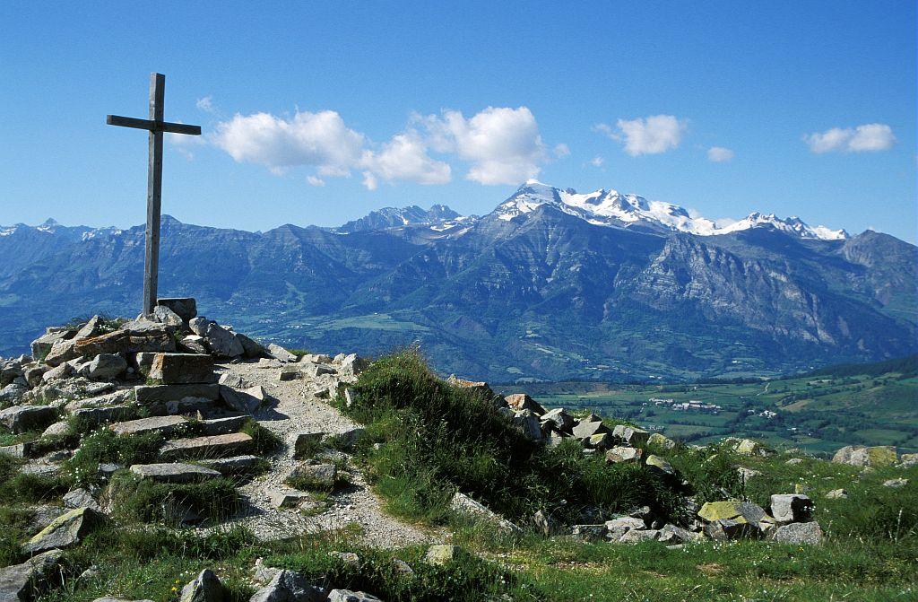 La croix de Sain-Philippe - Ancelle - © Marc Corail - Parc national des Ecrins