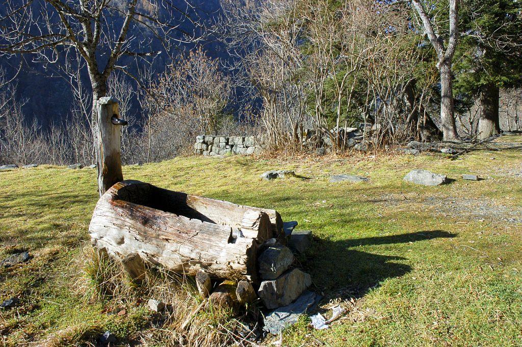 Fontaine à la maison forestière de Londonnière © Dominique Vincent - Parc national des Ecrins