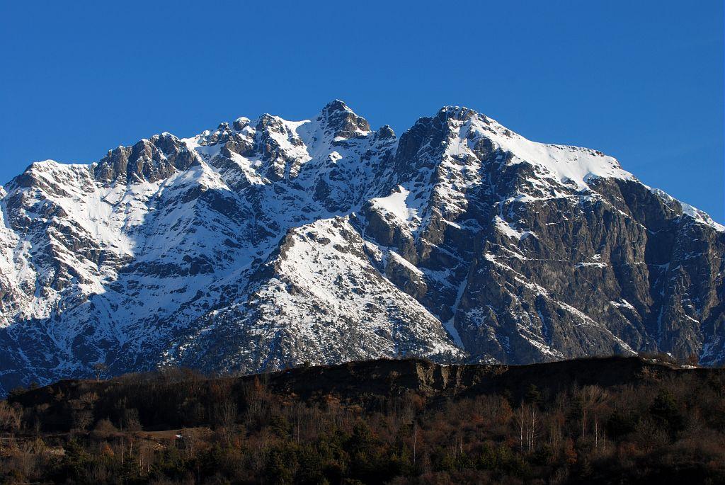 Sommet du Banc du Peyron et terrasse de Saint-Eusèbe ©Vincent Dominique - Parc national des Ecrins