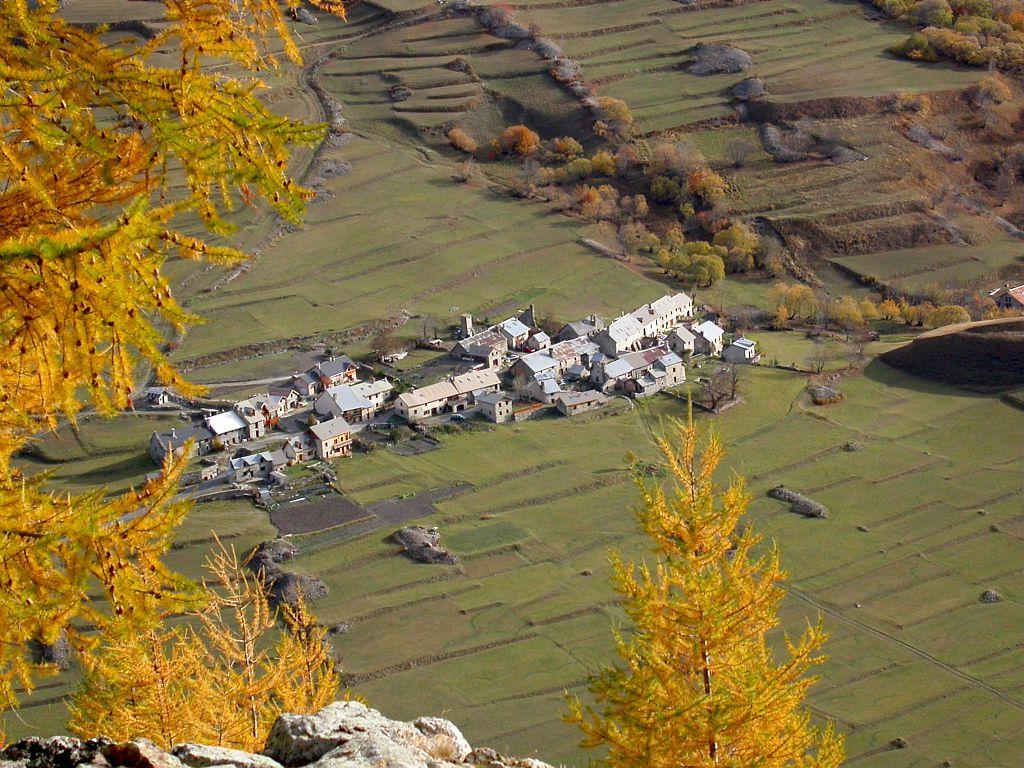 Le hameau du pied du col - Villar d'arène et ses terrasses ©Bernard Nicollet - Parc national des Ecrins