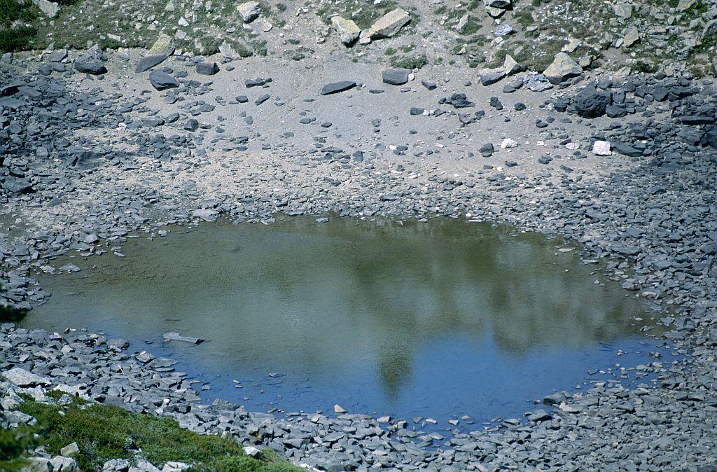 Le lac de Clot Lamiande presque asséché ©Claude Dautrey - Parc national des Ecrins