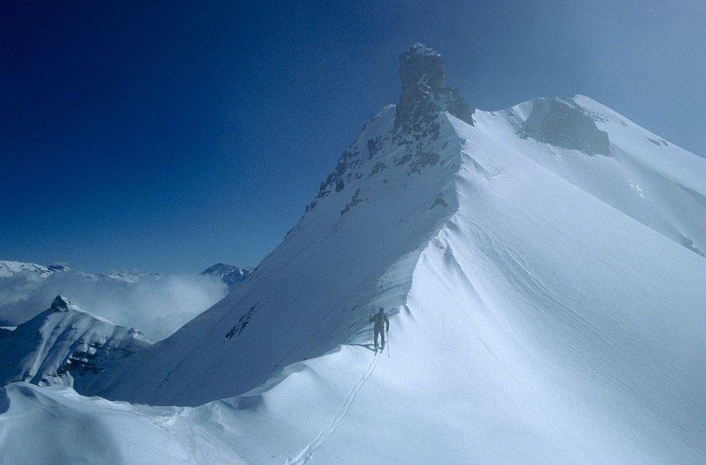 Randonnée à skis au col Clémens entre les pointes nord et sud de la Venasque ©Marc Corail - Parc national des Ecrins