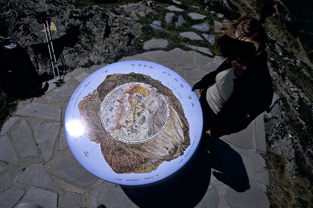 La table d'orientation des Clots © Cyril Coursier - Parc national des Ecrins