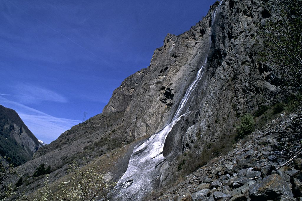 Cascade de la Pisse de Mizoën © Denis Fiat - Parc national des Ecrins