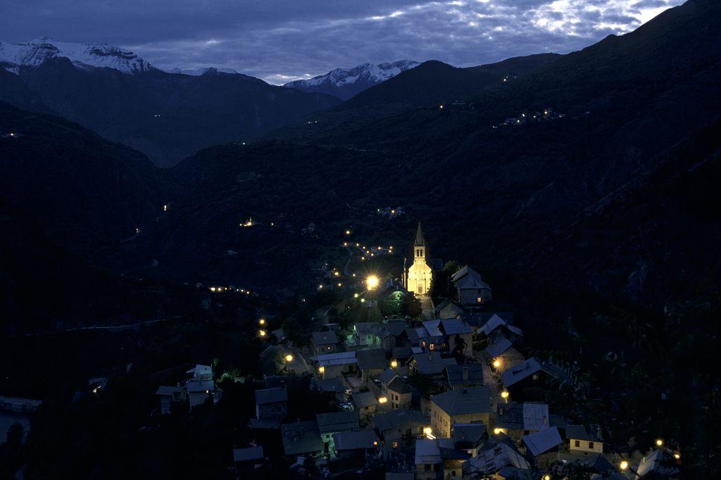 Mizoën de nuit © Raphaël Notin - Parc national des Ecrins