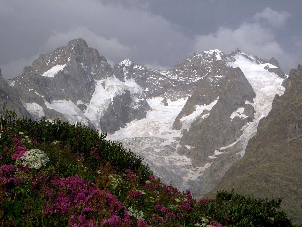 Sentier des crevasse - Briançonnais, vue sur la Meije et le pic Gaspard - © C-Coursier - Parc national des Ecrins