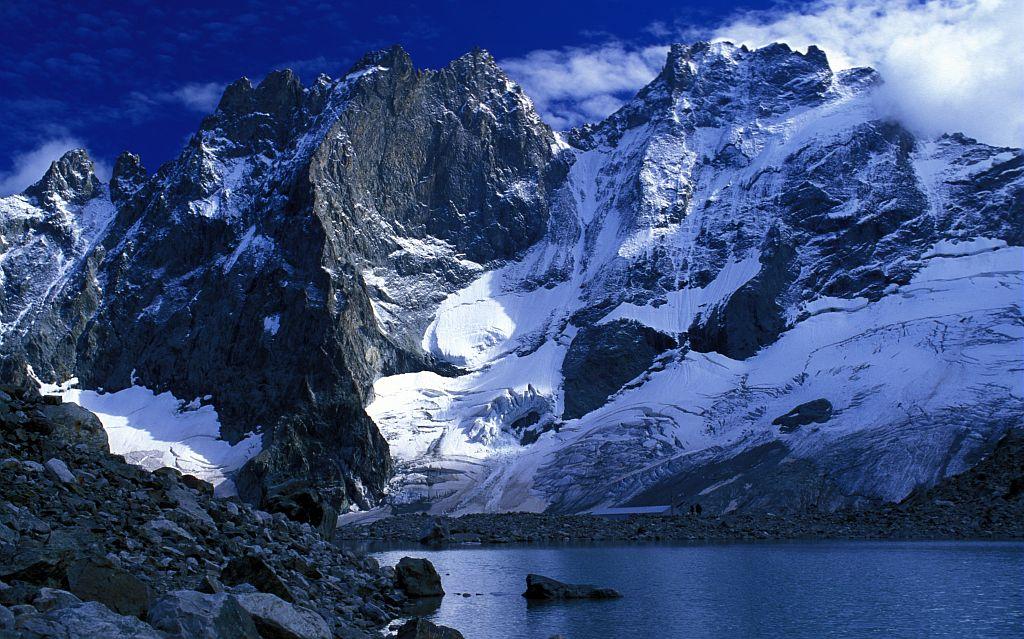 Le lac du Pavé et le couloir du Diable © Bernard Nicollet - Parc national des Ecrins