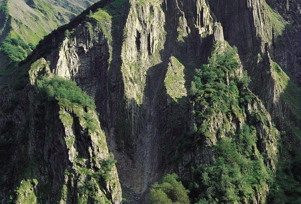 Falaises © Stéphane D'houwt - Parc national des Ecrins