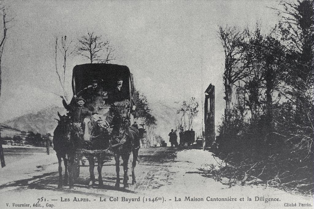Le col Bayard (1246 m) - La maison cantonnière et la diligence - Lucien Tronc (collection)