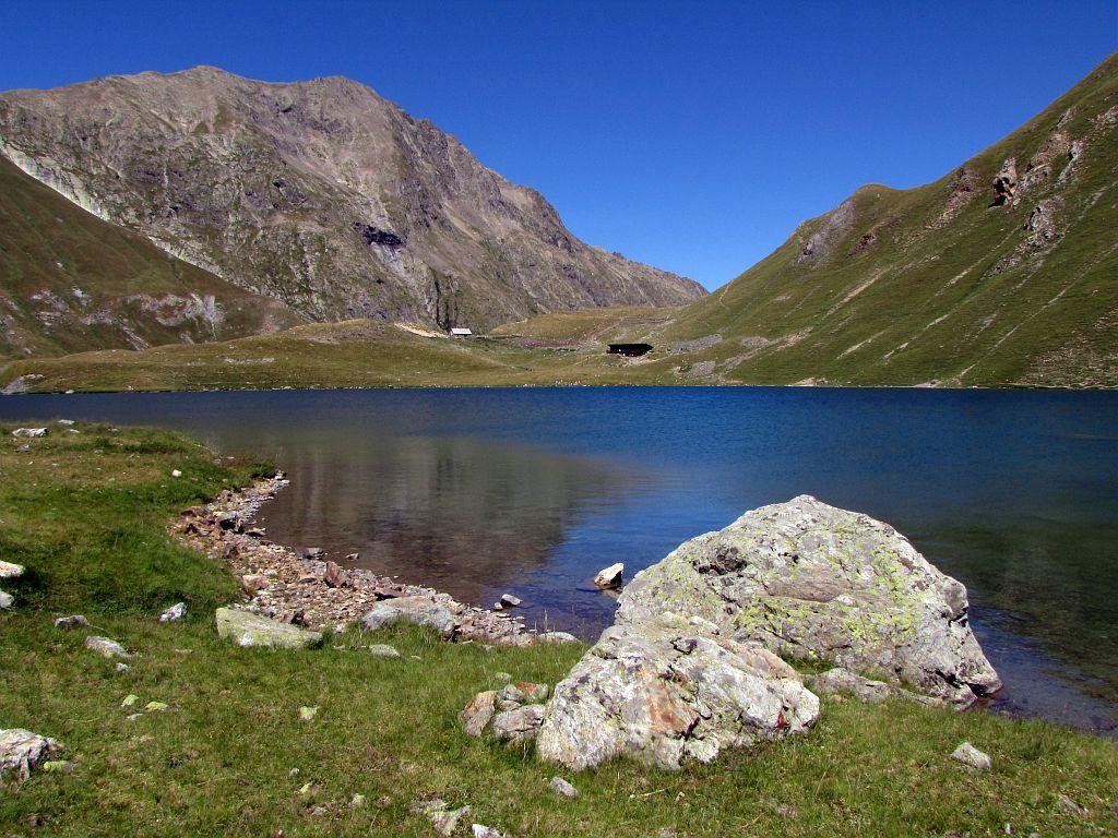 Le lac et le refuge de la Muzelle © Christophe Albert - Parc national des Ecrins
