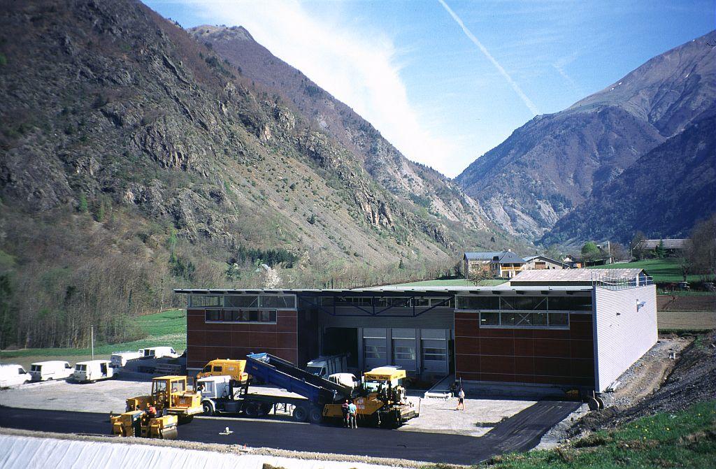 L'usine d'embouteillage Valécrin © Claude Dautrey - Parc national des Ecrins