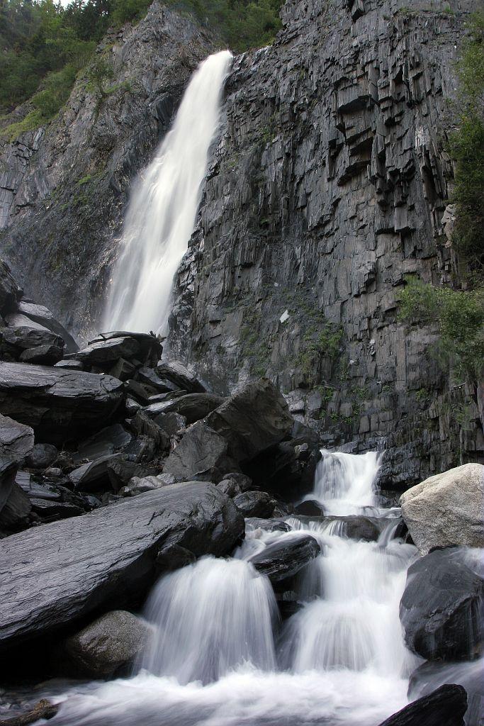 Cascade de la Muzelle à côté de Venosc © Pascal Saulay - Parc national des Ecrins