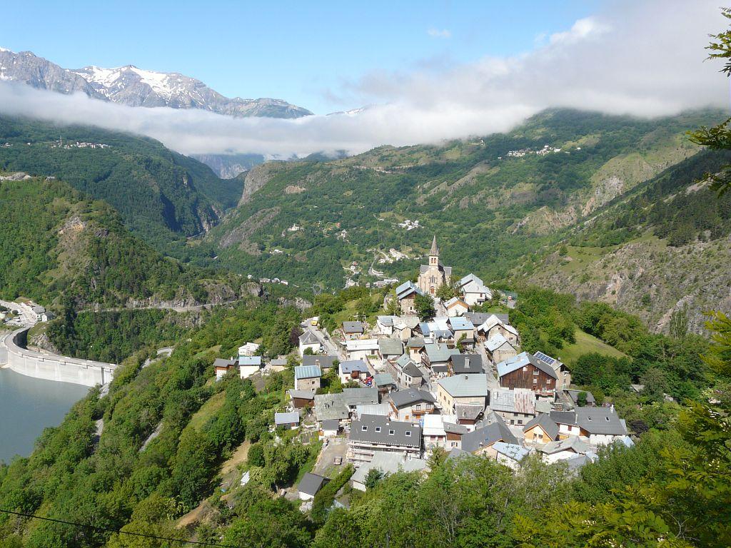 Village de Mizoën © Jean-Pierre Nicollet - Parc national des Ecrins