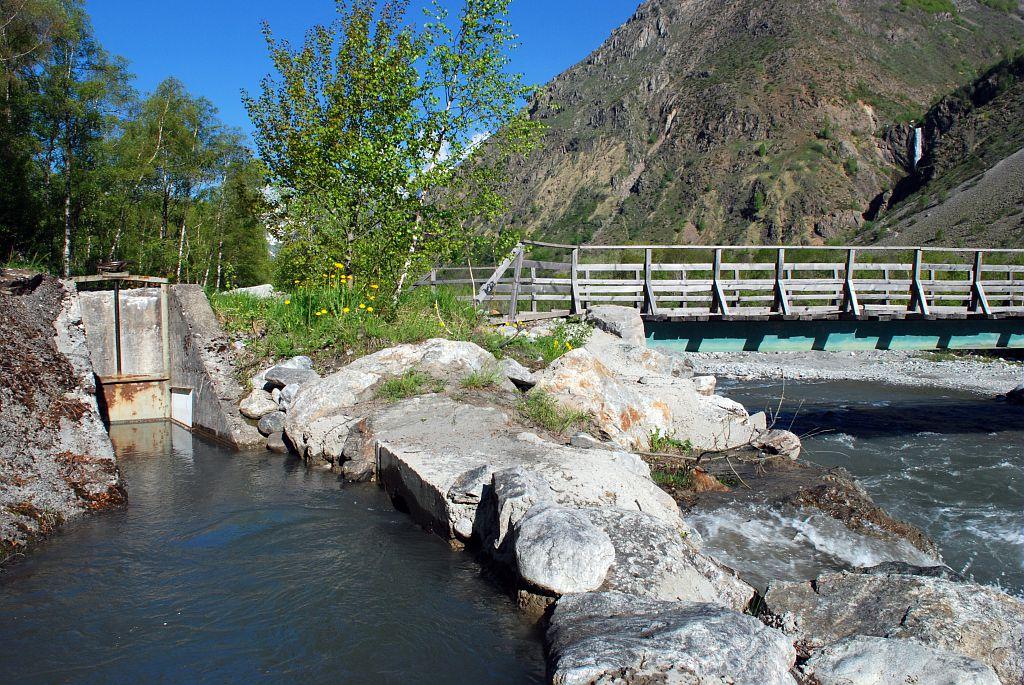 Prise d'eau du canal de La Chapelle en Valgaudemar © Dominique Vincent - Parc national des Ecrins