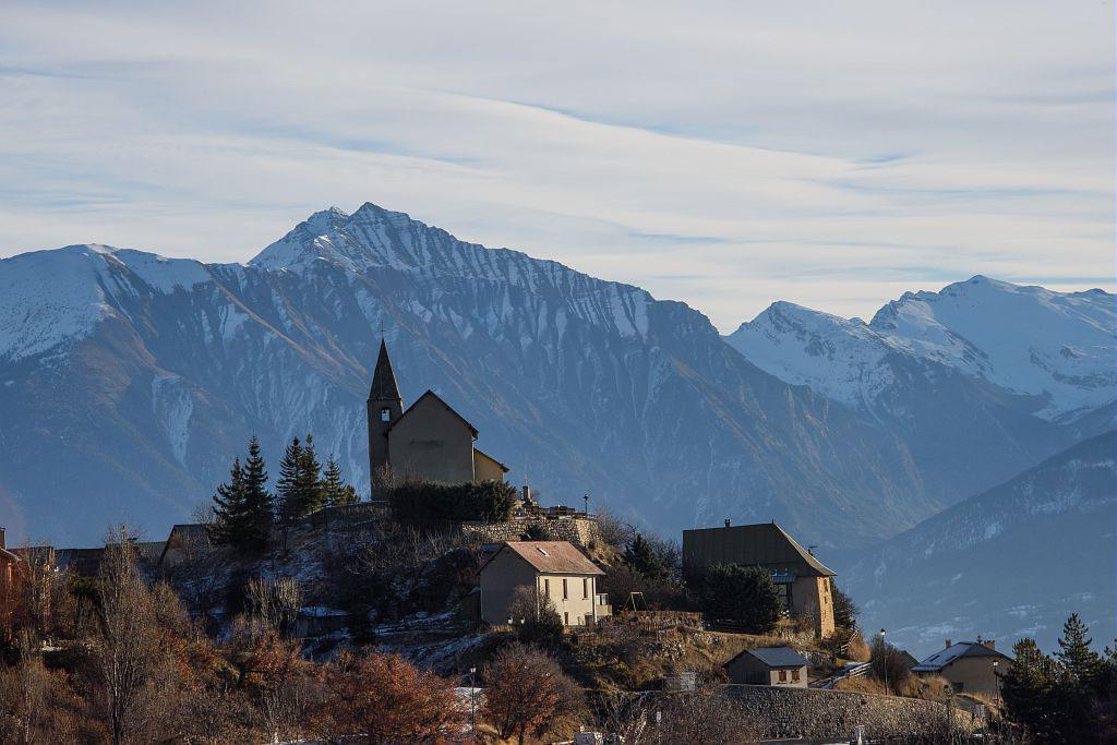 Village et chapelle Saint -Apollinaire - © M.Coulon - Parc national des Écrins