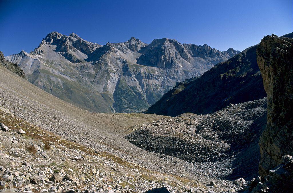 Le vallon de Laurichard et son glacier rocheux © Bernard Nicollet - Parc national des Ecrins