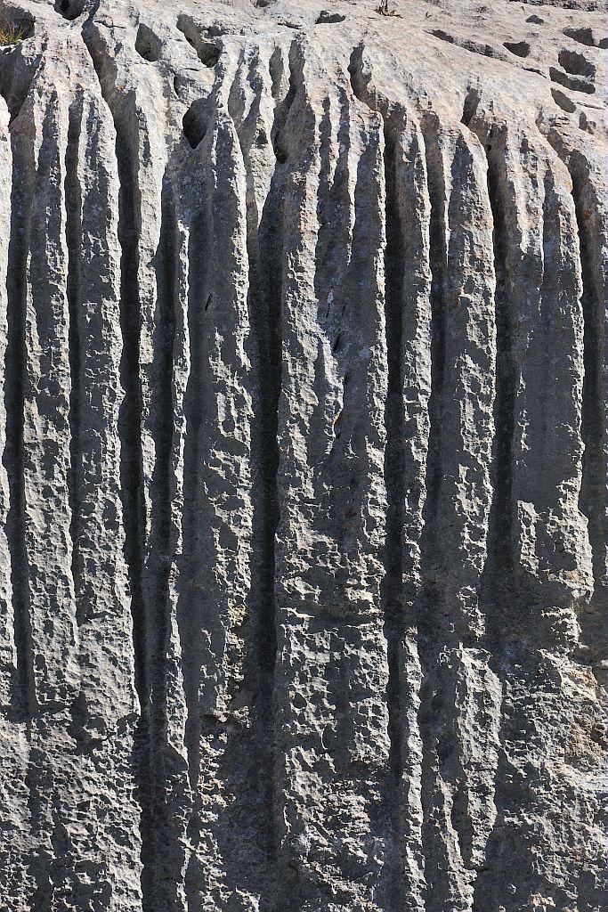 Oucanes de Chabrières - cannelures - Réallon © Mireille Coulon - Parc national des Ecrins