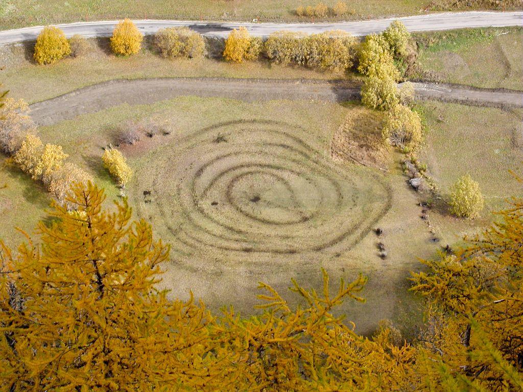 Travaux des champs, plate du Bec © Christophe Albert, Parc national des Ecrins.