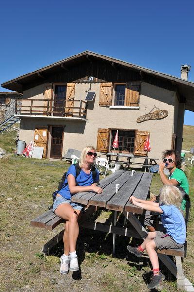 Le refuge du Fay et sa terrasse