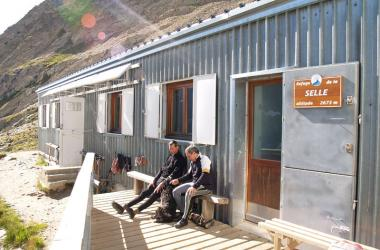 Terrasse du refuge de la Selle