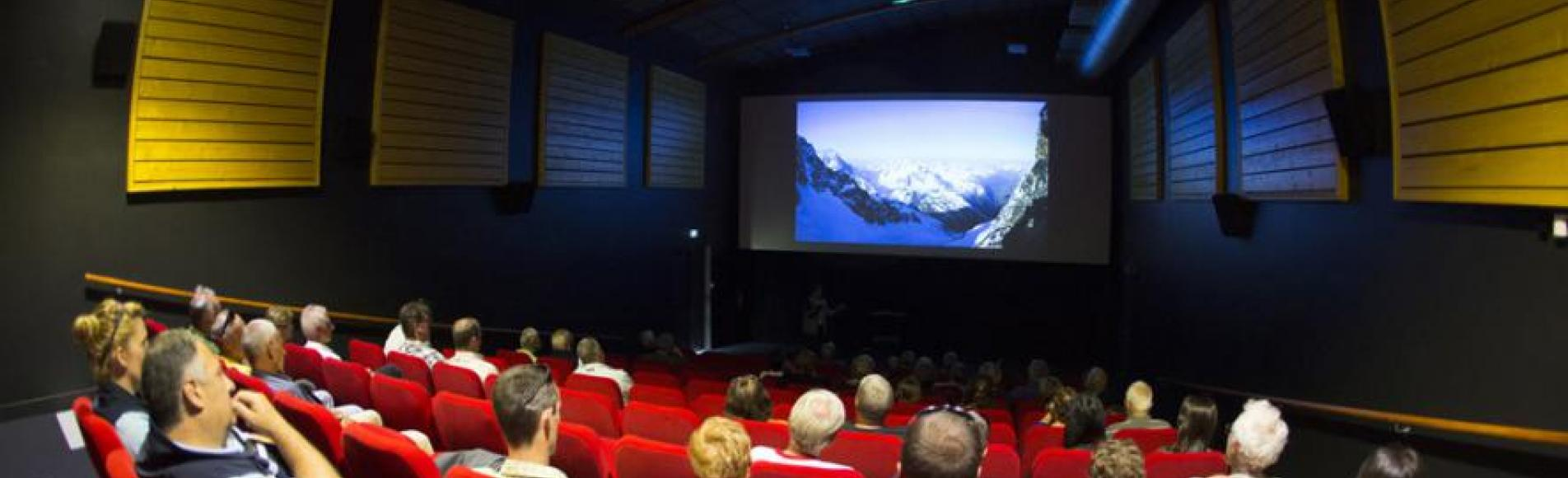 La salle de cinéma inaugurée  Parc national des Ecrins