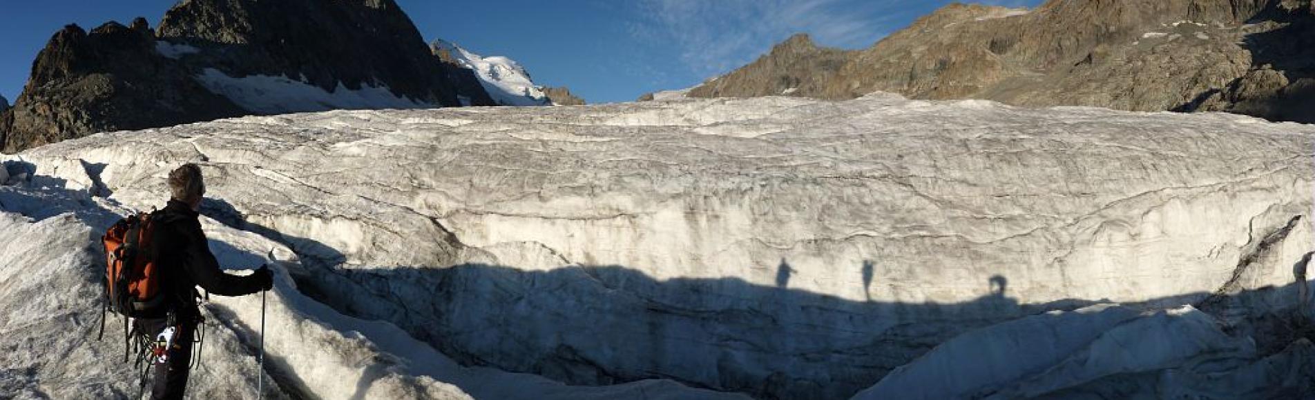 Relevés des balises glacier Blanc - © Mireille Coulon - Parc national des Ecrins