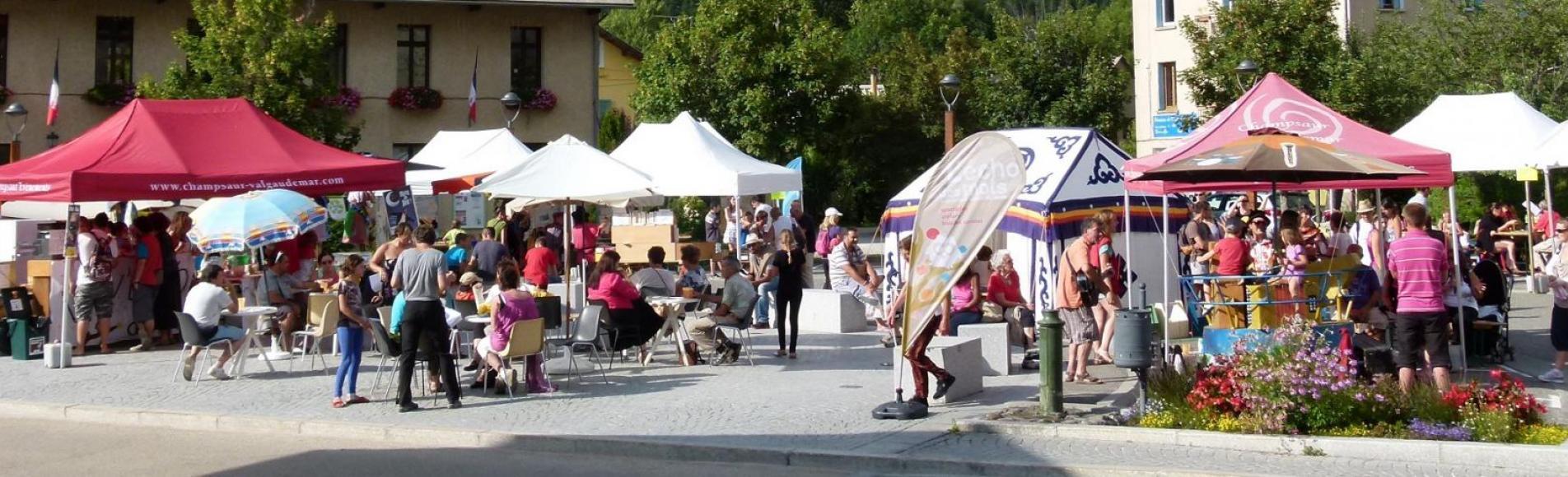 La place en fête - festival L'écho des mots - Pont -du-Fossé - Champsaur 2015
