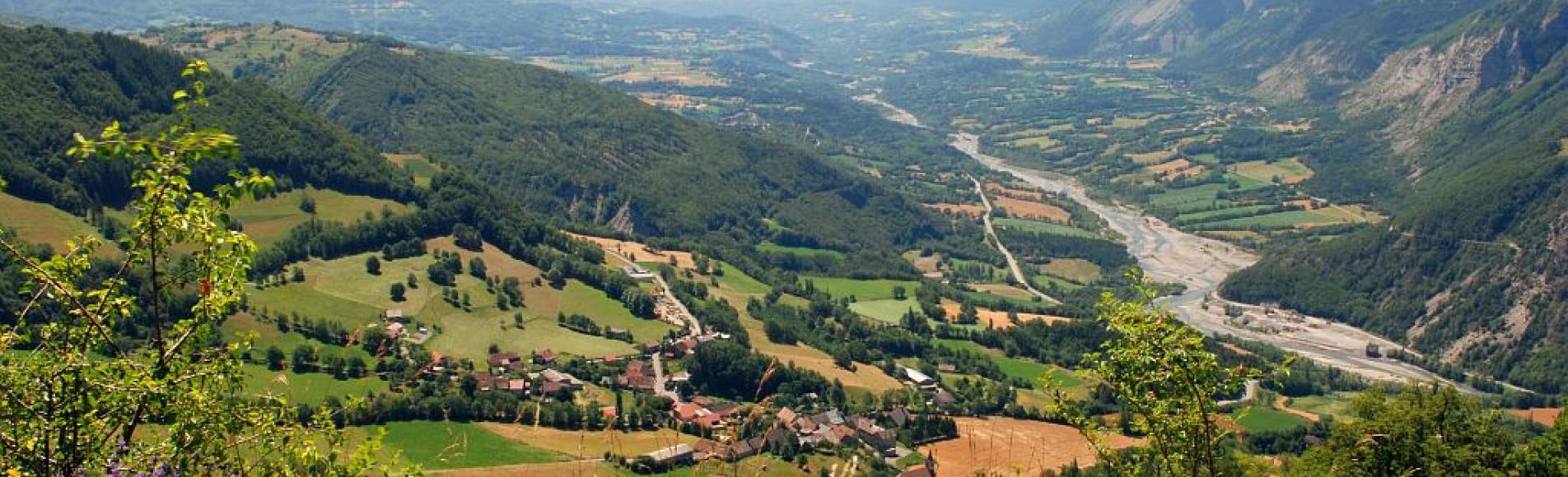 La vallée du Drac et Aspres-les-Corps © Jean-Pierre Nicollet - Parc national des Ecrins