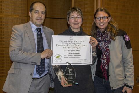 Remise des prix concours prairies fleuries - salon de l'agriculture - Paris, 4 mars 2016 - GAEC Holstein Passion à Chauffayer