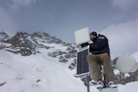 Maintenant équipement prise de vue Glacier Blanc - fev 2018 - - photo T.Maillet - Parc national des Ecrins