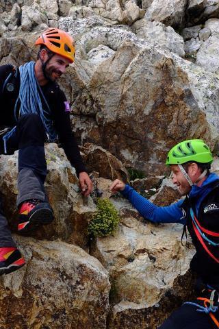 Cédric Dentant et Sébastien Lavergne - programme Ecologie Verticale Parc national des Écrins - photo F. Meignan - refuge du Promontoire