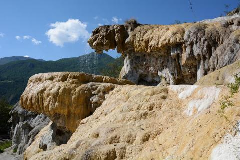 fontaine pétrifiante reotier © Adeline Gautier - Parc national des Écrins