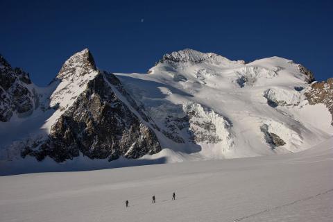 Ski de randonnée - mai 2017 - Barre de Ecrins © M.Coulon - Parc national des Écrins