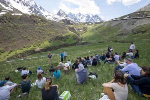 Visite sur site au Lautaret - Premier comité de pilotage Biodivalp au Monêtier-les-Bains- 4 juin 2019 - photo P.Saulay - Parc national des Ecrins