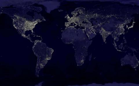 image satellite monde nuit -lumière 2000