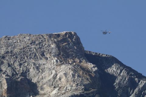 Eboulement aux Dômes du Monêtier. Reconnaissance du PGHM - Parc national des Ecrins, Cyril Coursier