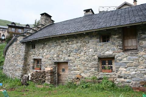 Four de Ventelon : façade restaurée dans le cadre d'un projet Leader du PNE © Eric Vannard - Parc national des Ecrins