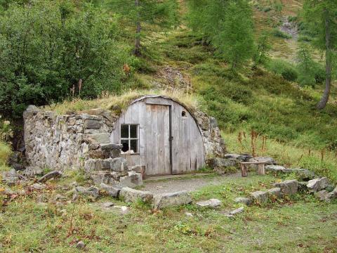 Cabane dans le vallon de Comboursière ©Marion Marion - Parc national des Ec