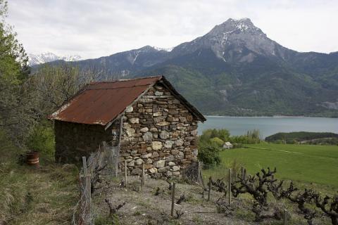 Cabanons de vigne - Clots du Villard ©Marc Corail - Parc national des Ecrins