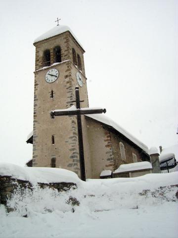 Eglise du lauzet sous la neige © Bernard Nicollet - Parc national des Ecrins