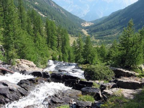 Vallon de Narreyroux depuis le haut de la cascade ©Blandine Delenatte - Parc national des Ecrins