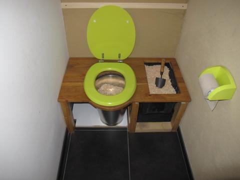 Toilettes sèches © M-G Nicolas