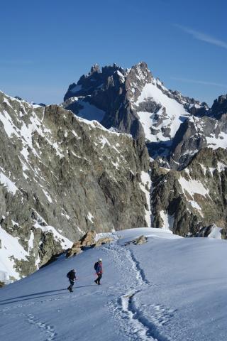 Cordée au col du glacier Blanc - © L. et M. Imberdis - PNE