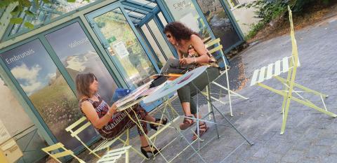Ouverture Bib Ecrins-Accueil du Parc - coin lecture - Josette Arnaud - Parc national des Ecrins