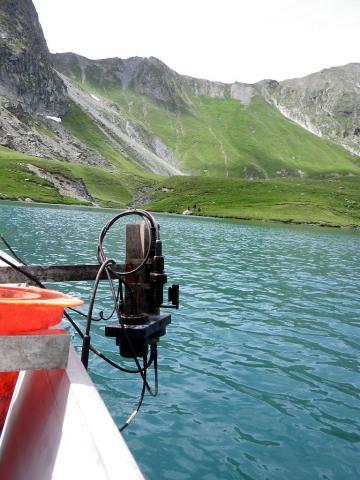 Lacs sentinelles - Lac de la Muzelle - recherche de PCB•• © Clotilde Sagot - Parc national des Ecrins
