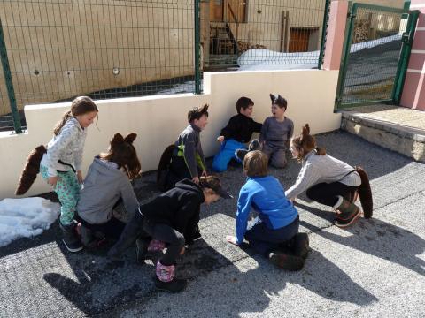 Séance sur le loup - 16 mars 2018 - ecole Freissinières - Parc national des Ecrins - programme jeunes découvreurs