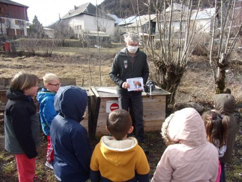 Construction d'un poulailler pédagogique à Champcella