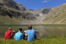 Pause au lac © Jean-Philippe Telmon - Parc national des Ecrins